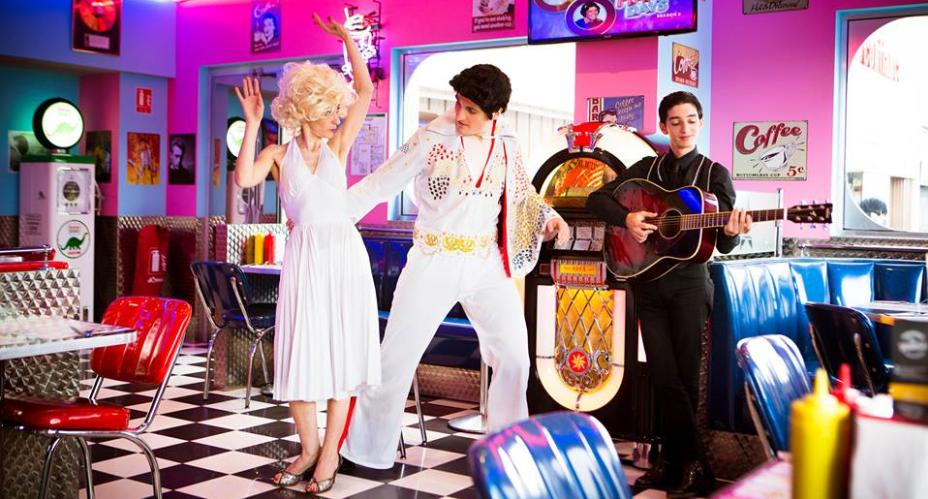La troupe de Romeo & Juliet in Las Vegas au Memphis Café de Venissieux. Crédits : Cédric Michel