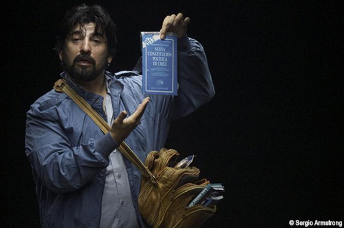 Acceso, une pièce chilienne de Pablo Larrain et Roberto Farias
