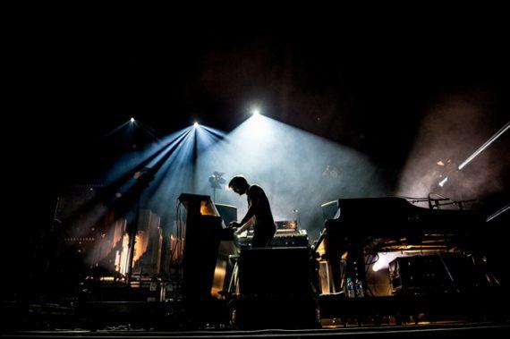 Nils Frahm sur la scène de Dour 2015