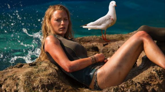 instinct-de-survie-the-shallows-image-4-blake-lively-film-2016-sony-pictures-go-with-the-blog