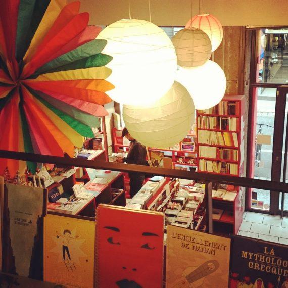 l'intérieur de la librairie Ouvrir l'oeil