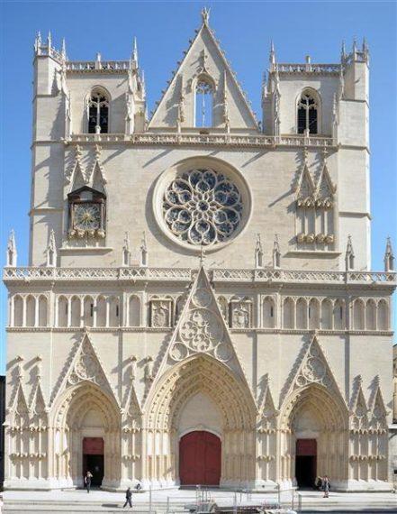légendes Lyon cathédrale saint jean