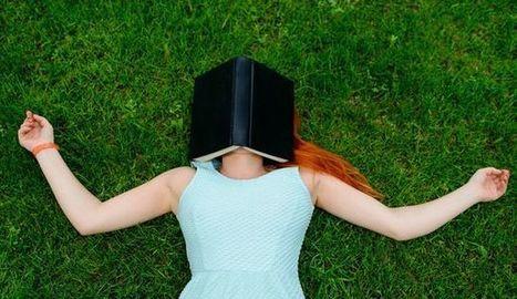 scène poétique jean-paul Klée - femme livre