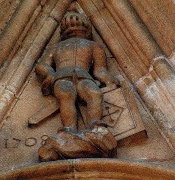 légendes lyon statue alchimiste