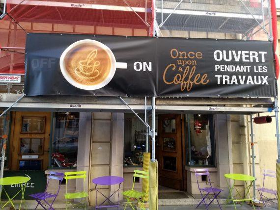 Au 101 rue Béchevelin se trouve un salon de thé, Once Upon A Coffee, où l'ambiance est agréable et l'accueil bienveillant. Arlyo vous recommande cet établissement chaleureux où la variété est de mise.
